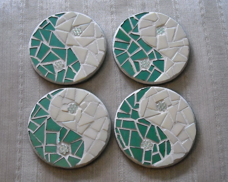 Mosaic coasters Green/Cream YinYang