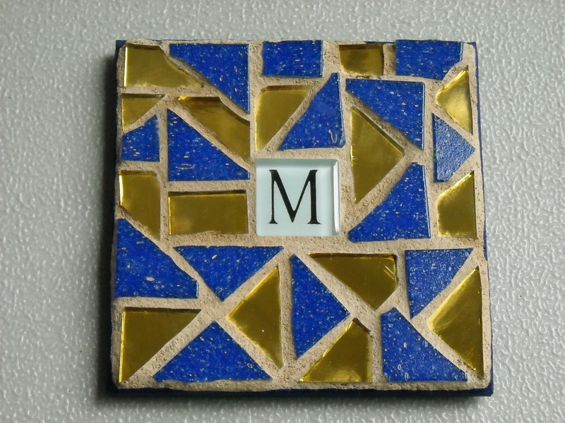 Mosaic coaster Initial in blue/gold