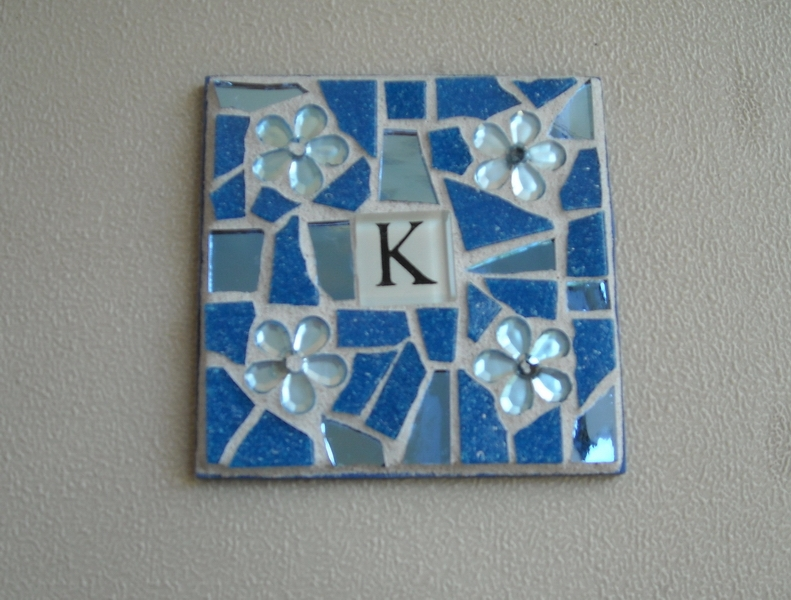 Mosaic coasters Initial in blue