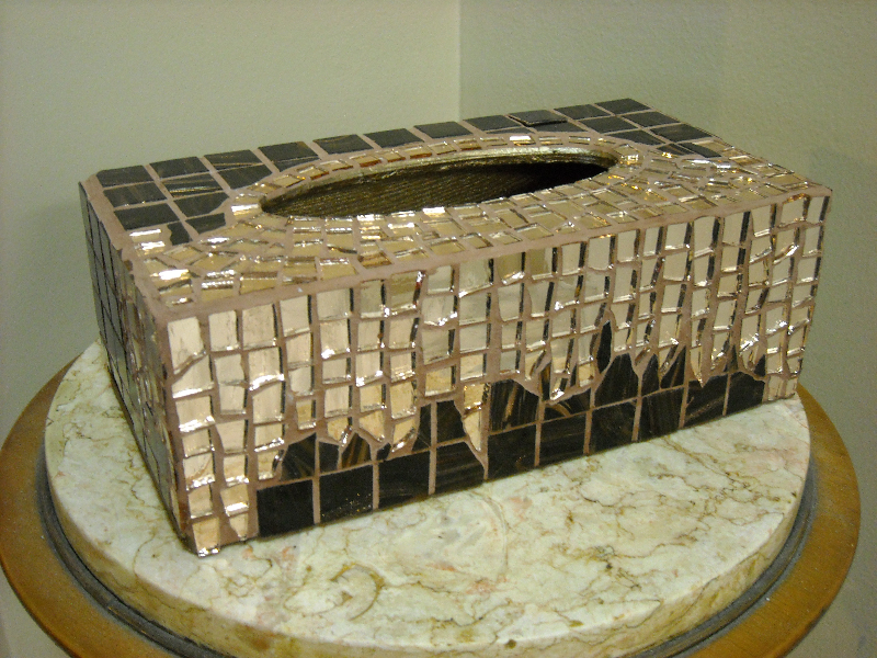 Mosaic tissue box Bronze
