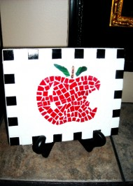 Mosaic apple trivet