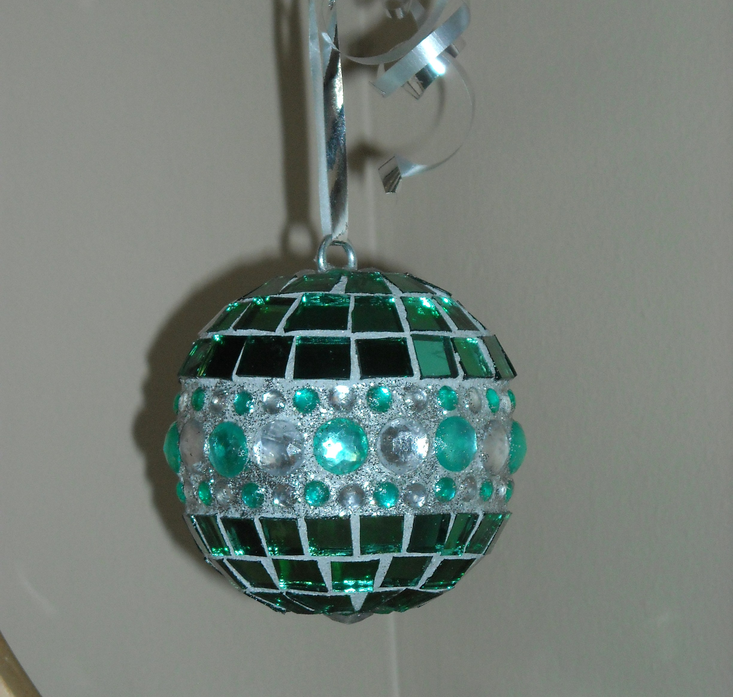 green-glitter-ornament