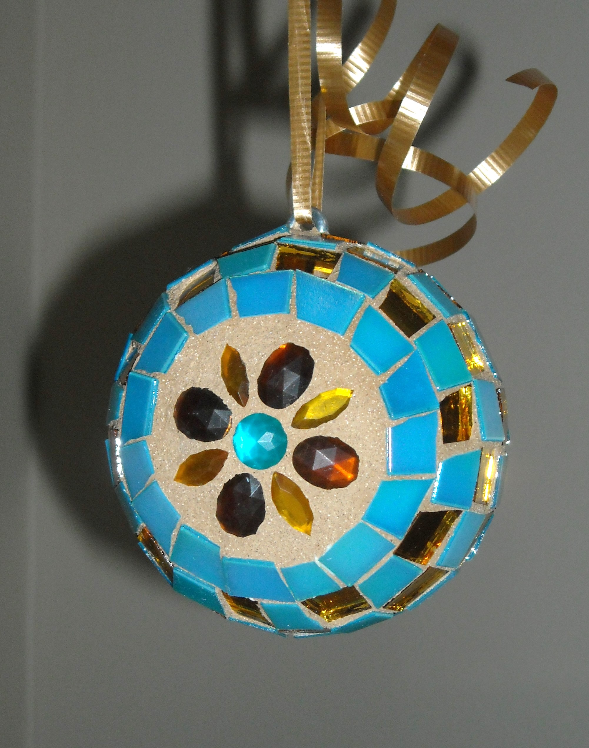 turquoise-gold-ornament