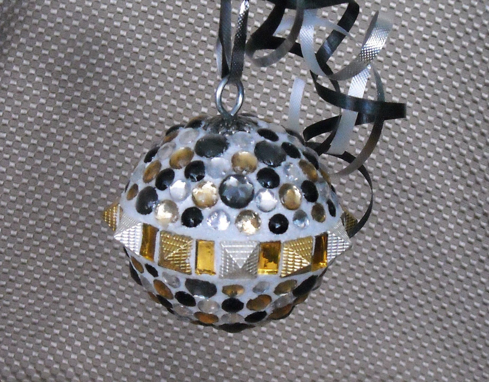 spiked-metal-ornament