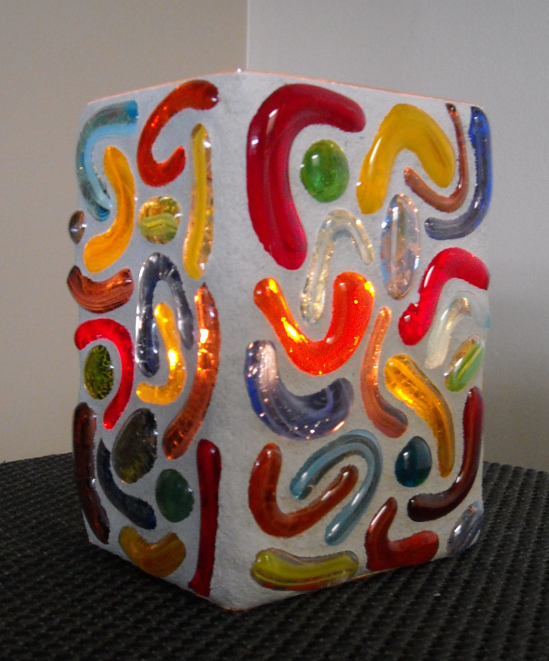 multi glass pebbled votive